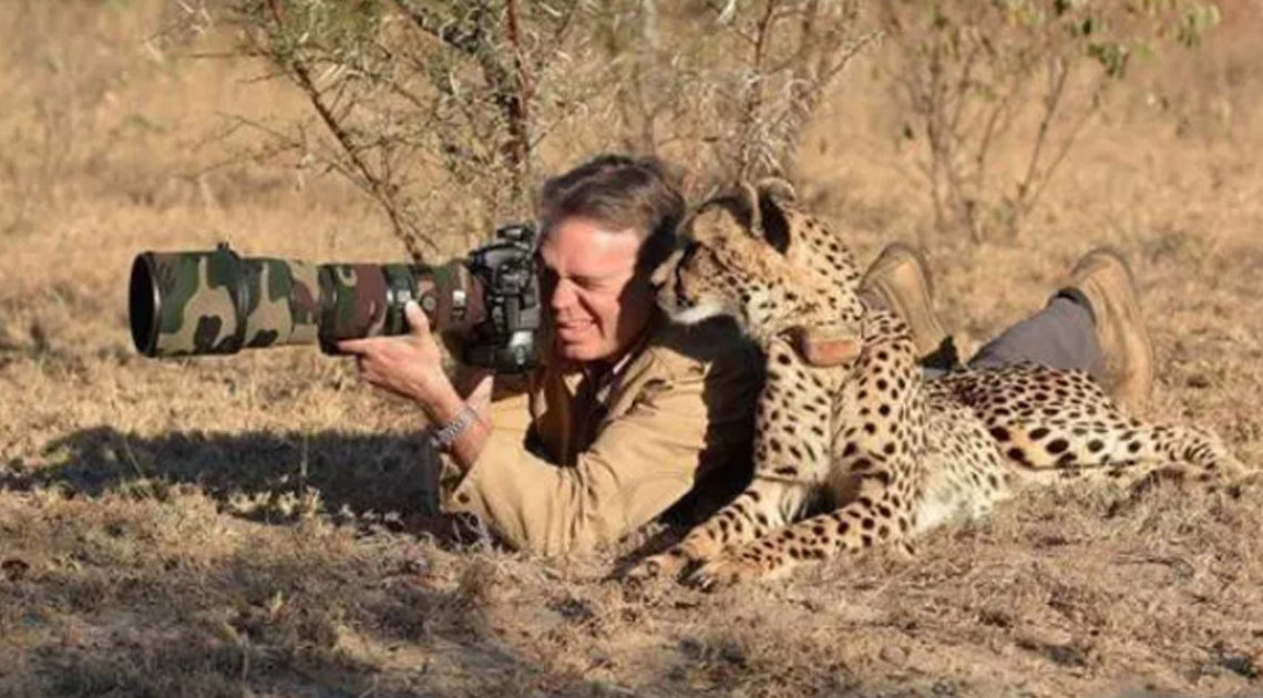 Фотографы дикой природы: всё, что остаётся за кадром (20 фото)