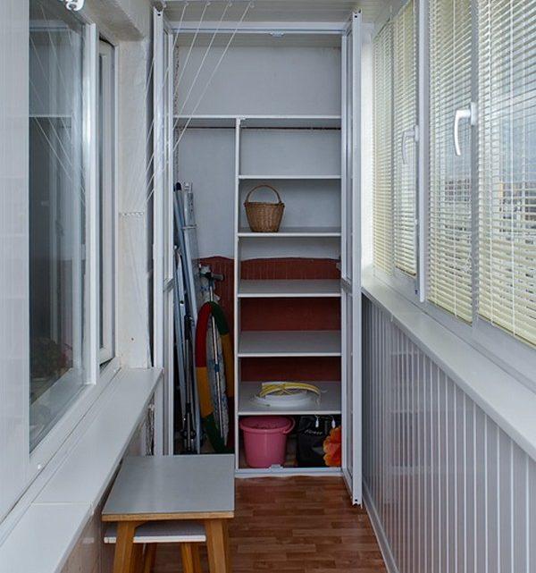 10 любопытных систем хранения вещей на балконе