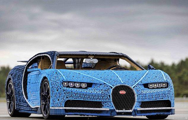 LEGO сделал точную копию Bugatti Chiron из 2300 игрушечных моторов. И она ездит