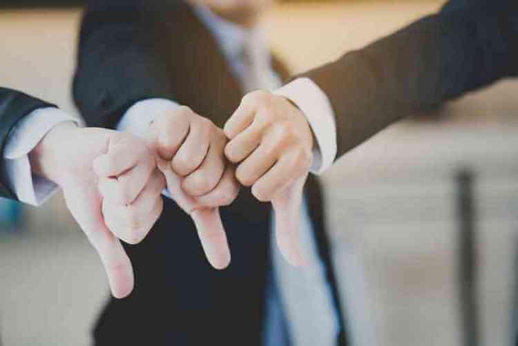 8 признаков, что среди ваших близких есть кто-то, кто с вами не искренен
